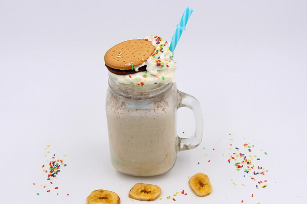 Gesunder Freak Shake Banane Kokos