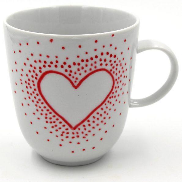 Tassen selbst bemalen mit Porzellan Stiften: Motiv gepunktetes Herz