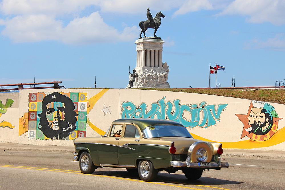 Havanna, Kuba. Revolutionsführer Camilo Cienfuegos, Che Guevara und Fidel Castro