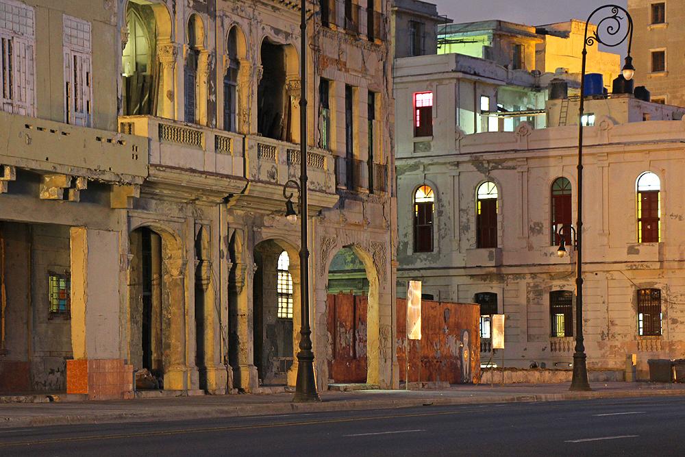 Havanna Strassenzug bei Nacht