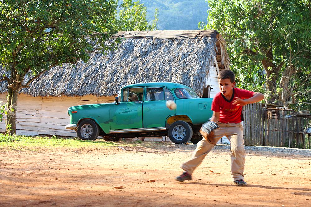 Baseball im Tal des Vianles Kuba