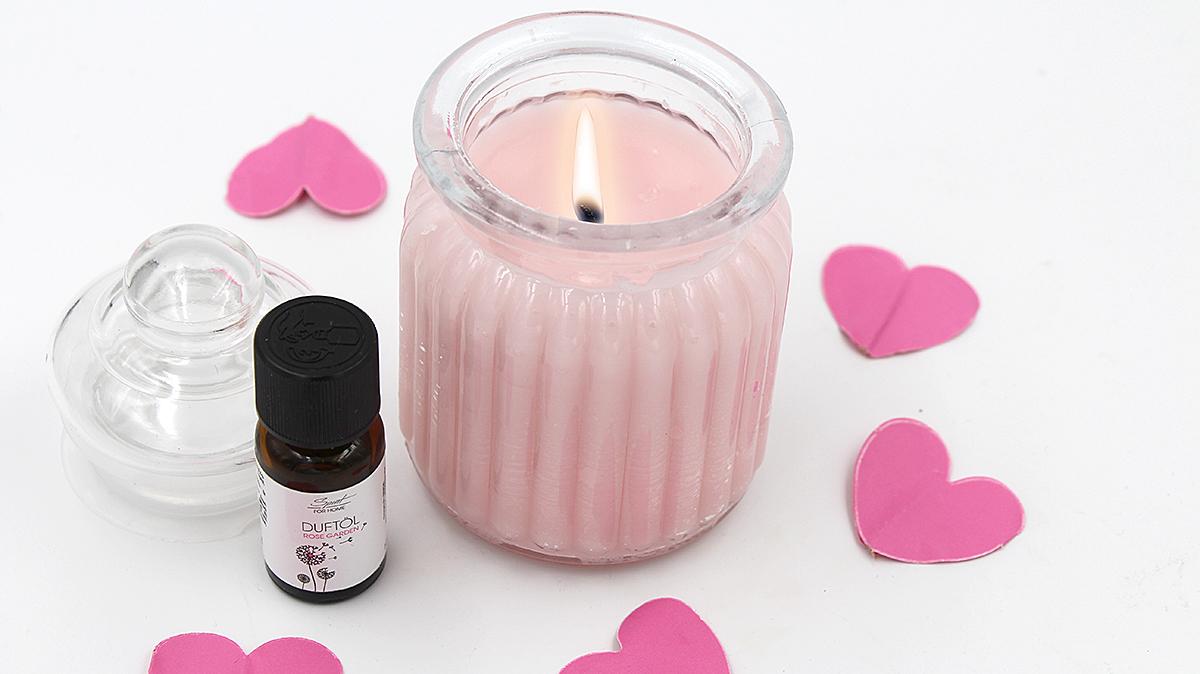 Duftkerzen selber machen - selbst gemachte Anti Stress mit Rose und Lavendel