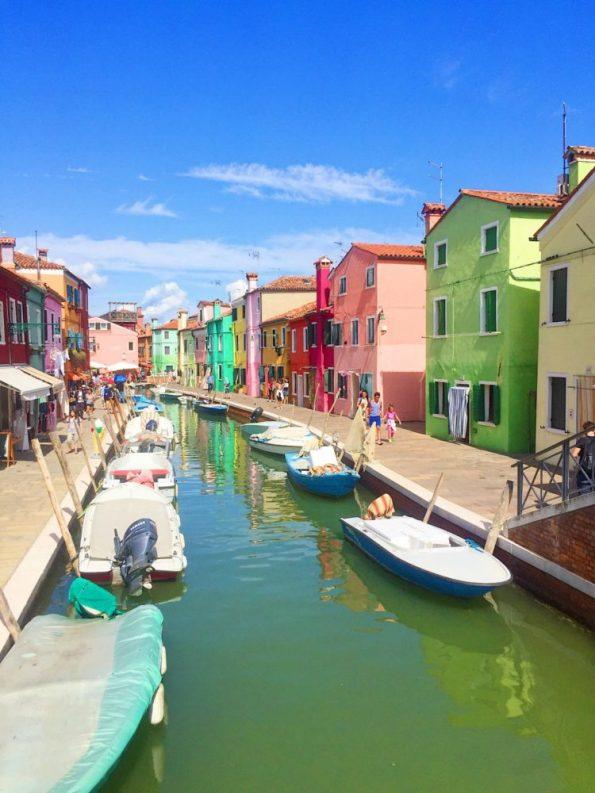 Sehenswert: Die Fischerinsel Burano in der Nähe von Venedig