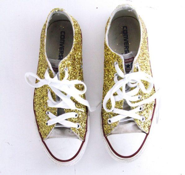 DIY Schuhe mit Glitzer upcyceln