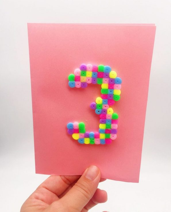 Geburtstagskarten mit Bügelperlen Vorlagen selber machen Zahl Drei