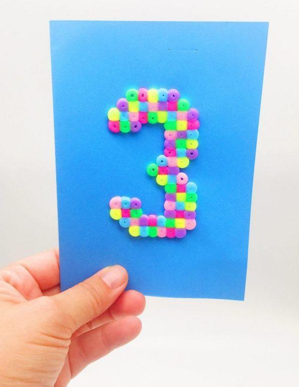 Geburtstagskarten mit Bügelperlen Vorlagen selber machen Zahl Drei blau
