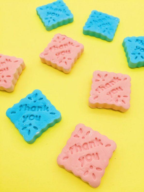 Bastelideen: Knetseife mit Lebensmittelfarben selber machen