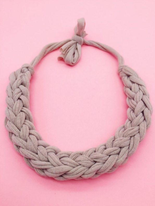 DIY Ideen Statement Kette knoten mit Textilgarn grau