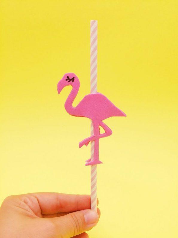 Tropische DIY Ideen: Flamingo Strohhalme aus Moosgummi selber machen