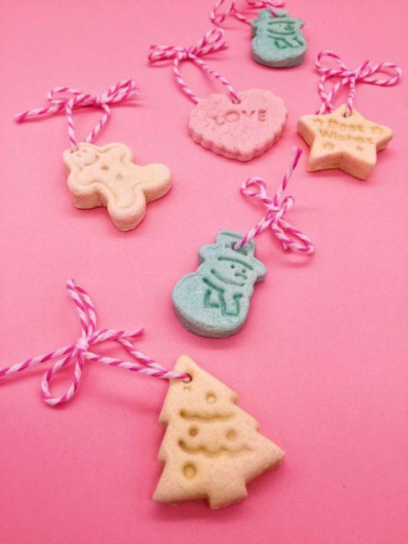 Schöne Bastelideen für Weihnachten: Salzteig Deko Anhänger