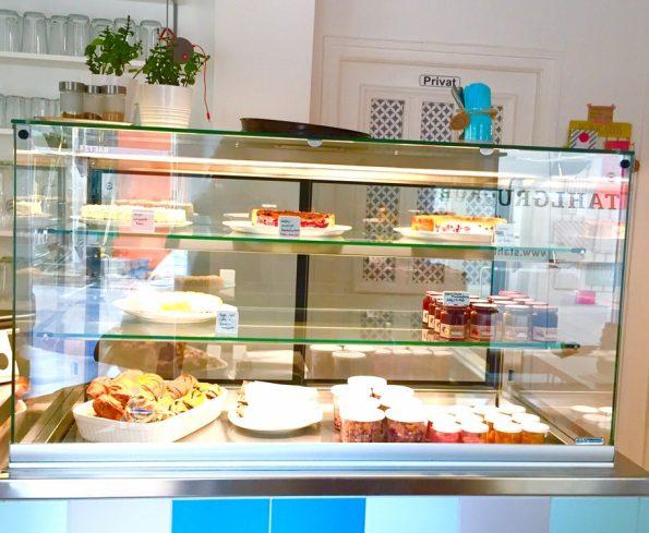 Kuchen wie bei Oma - oder hier zutreffender bei Tante Erika im Cafe in Sendling