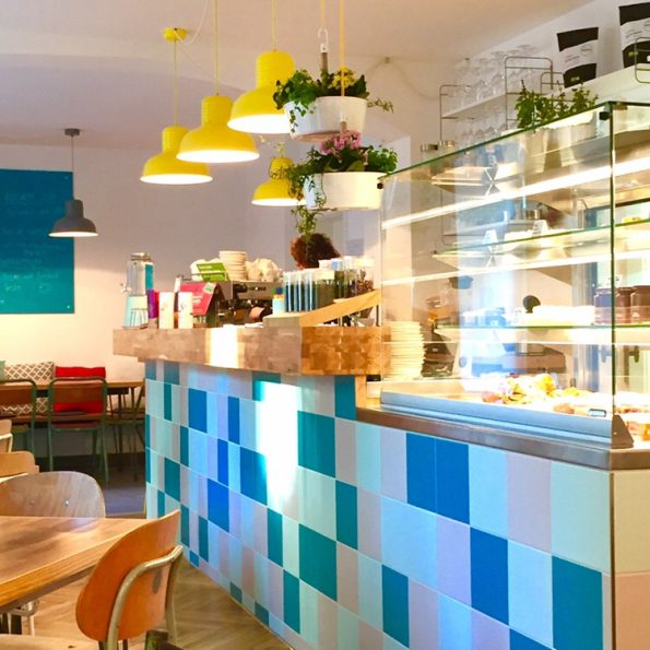Schöne Cafes in München: das Cafe Erika zählt dazu