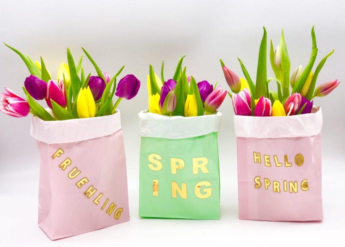 Frühlingsdeko selber machen mit Papiertüten