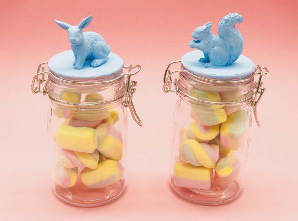 Kleine Ostergeschenke basteln für Kinder und Erwachsene Gläser mit Gummitieren