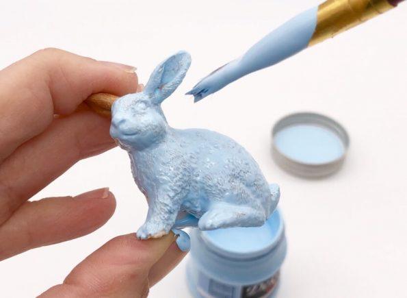 Ostergeschenke selber machen mit Gläsern und Gummitiere