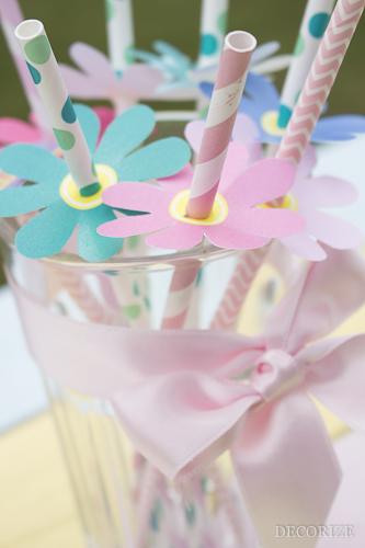 Strohhalm Blumen basteln als Frühlingsdekoration von decorize