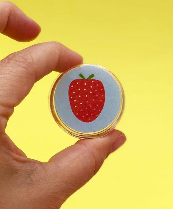 Basteln für den Sommer - Lippenbalsam selber machen mit Erdbeeren Duft