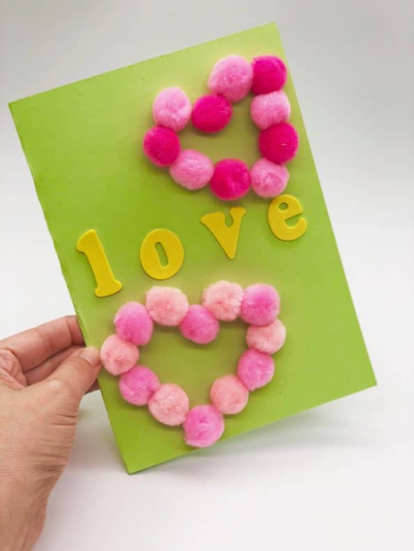 Basteln mit Pompoms Motiv Love
