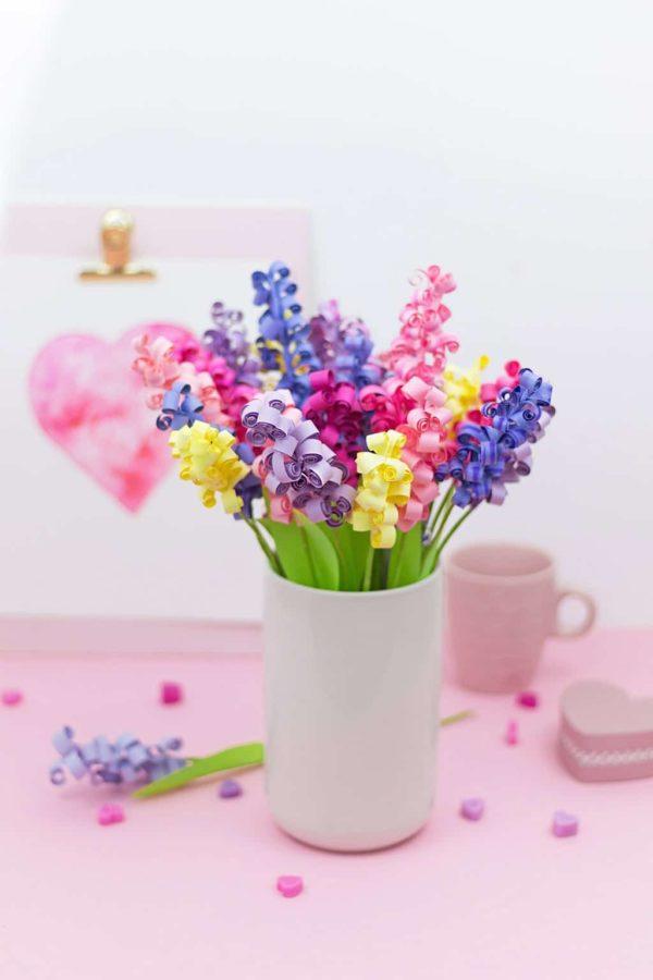Blumen basteln einfache Ideen für Frühlingsdekoration