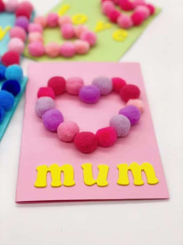 Karten selber machen Basteln mit Pompoms zum Muttertag