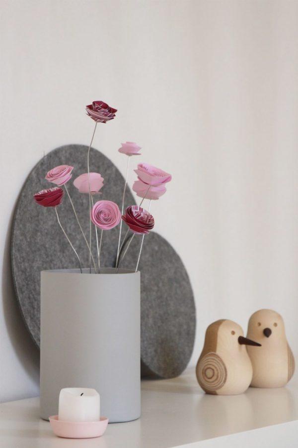 Papierblumen basteln als Frühlingsdekoration von Schönes und Leben