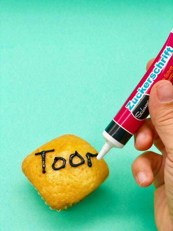 Muffins beschriften - schnelle Snacks selber machen für die Fußball WM