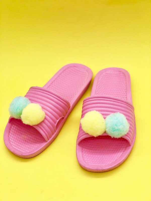 Sommer Outfit mit Pompoms aufhübschen