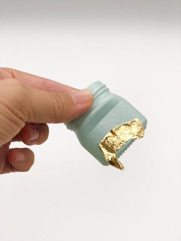 Variante 1: Gläser Upcycling mit Blattgold