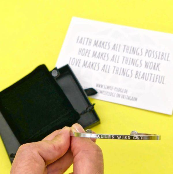 Alles wird gut Armband von Simple Pledge zu gewinnen