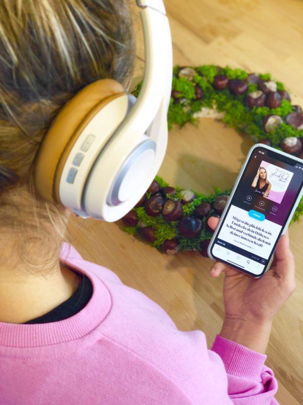 Basteln und Hörbücher hören mit Book Beat