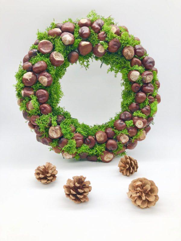DIY Herbstkranz aus Kastanien basteln - einfach und schnell