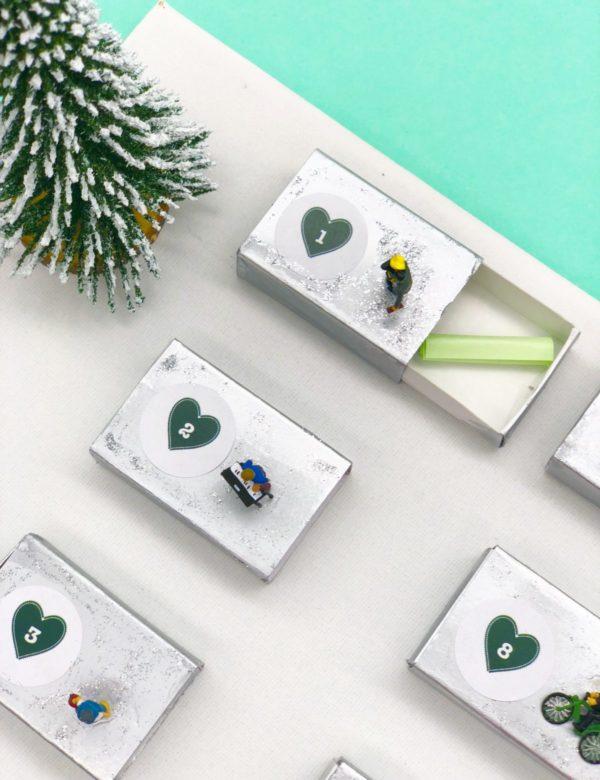 Einfache Bastelideen für Adventskalender mit Gutscheinen selber machen