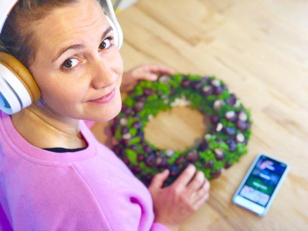 Hörbücher hören mit der App BookBeat - perfekt als Hintergrund Unterhaltung zum Basteln