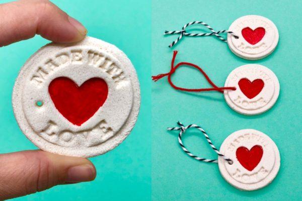 Geschenke Anhänger aus Salzteig basteln - ideal für Weihnachten und Geburtstag