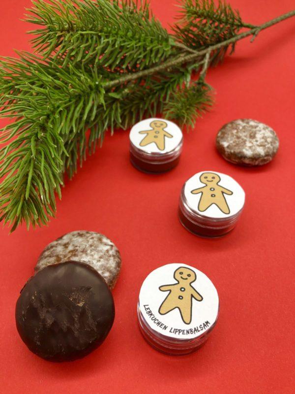 Lebkuchen Lippenbalsam selber machen: süße Weihnachtsgeschenkideen