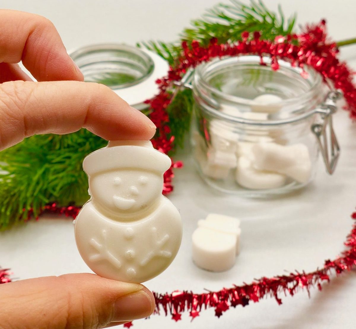 Schneemann Seife selber machen - einfaches DIY Geschenk