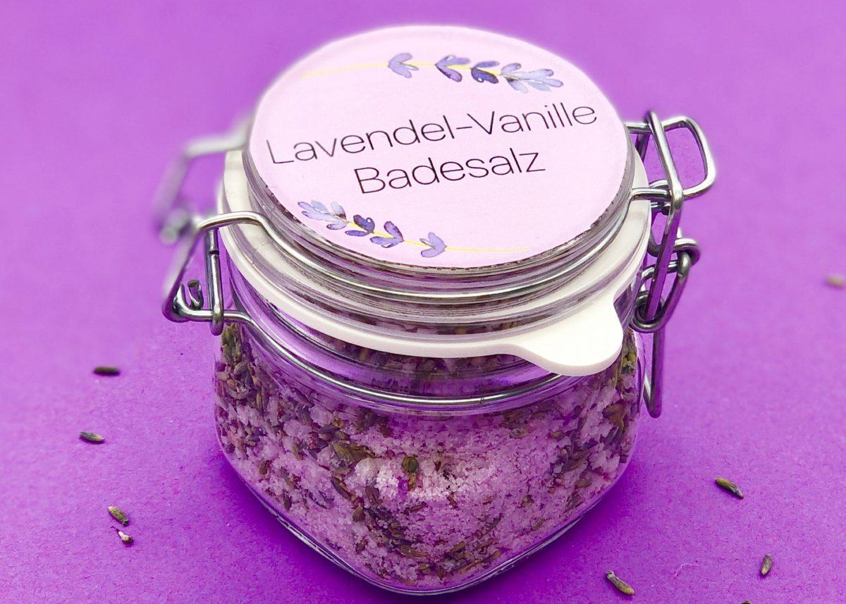 DIY Badesalz selber machen mit Lavendel und Vanille Duft
