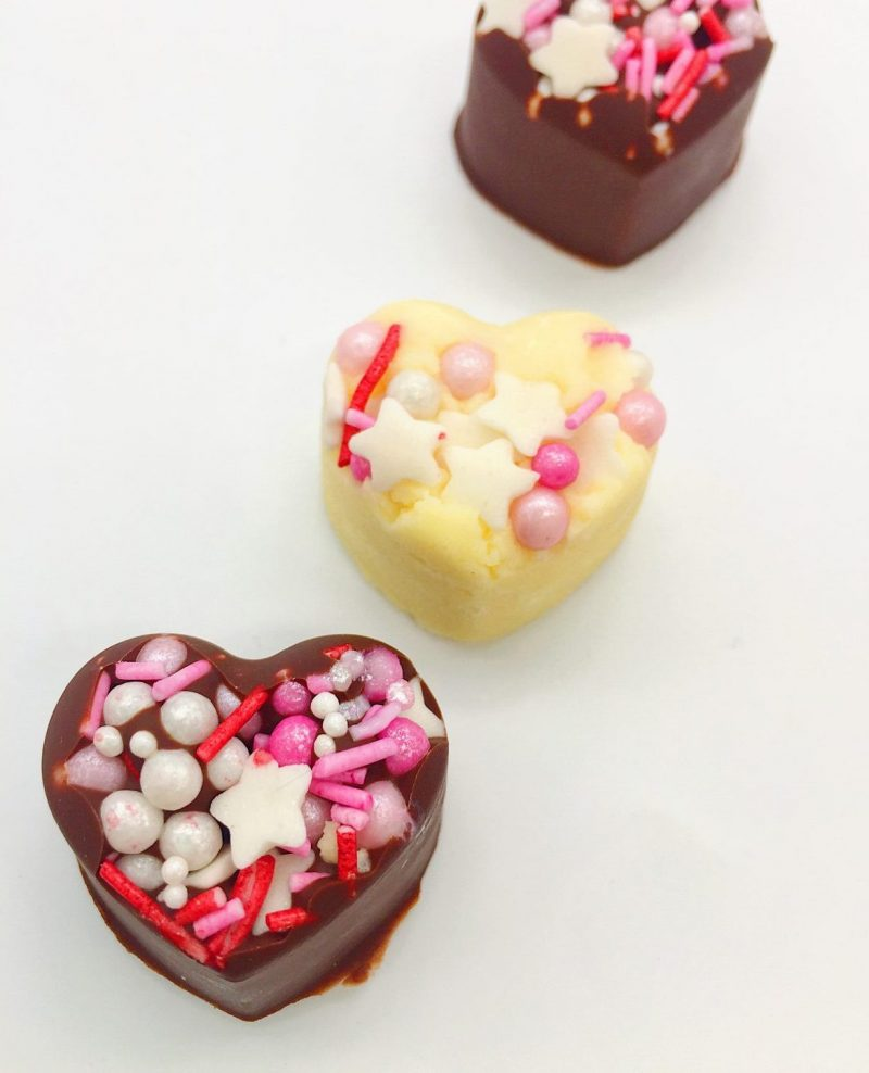 Schokoladen Herzen selber machen - schöne DIY Geschenke für ihn