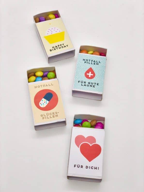 Süße Idee für kleine Geschenke oder Mitbringsel - Smarties in der Streichholzschachtel