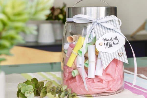 Komplimente Glas als Muttertag Geschenk selber machen