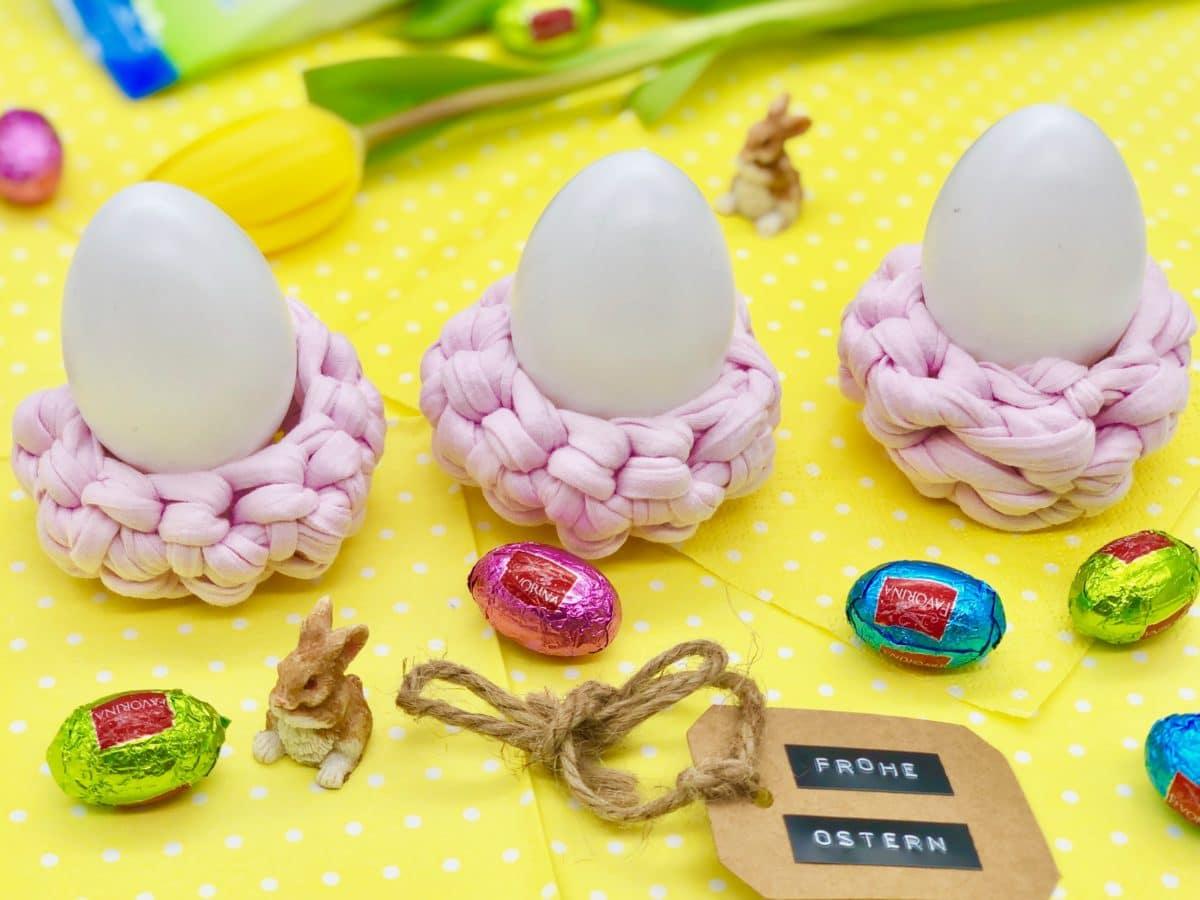 Süße DIY Idee für Ostern - Eierbecher häkeln