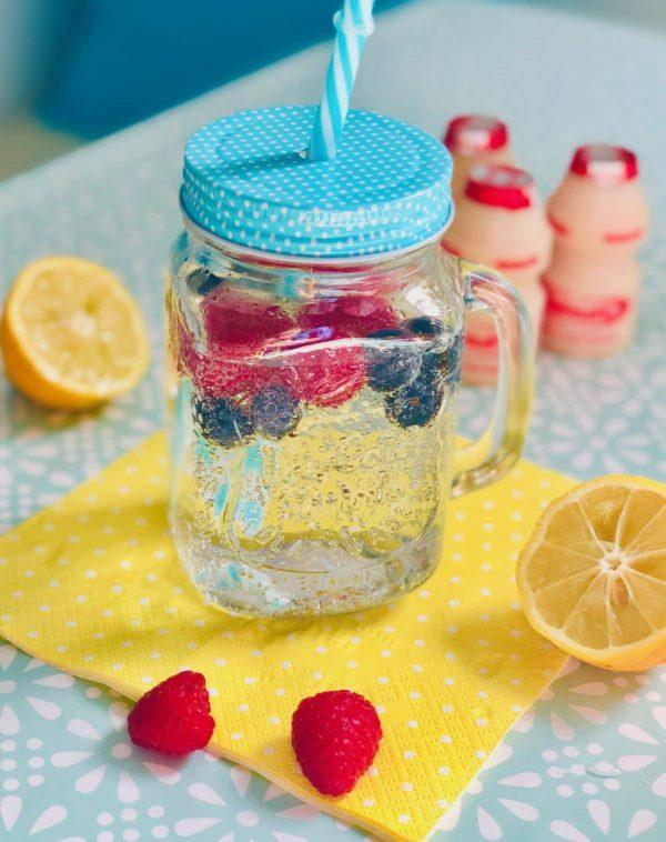 Tipps für die Morgenroutine : Wasser und Yakult trinken
