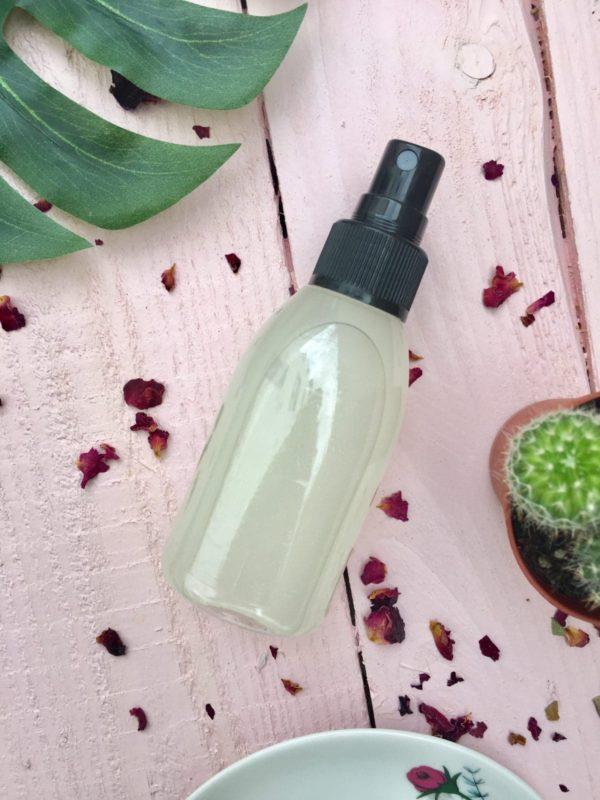 Einfaches Rezept für DIY Kosmetik: Rosen Body Splash selber machen